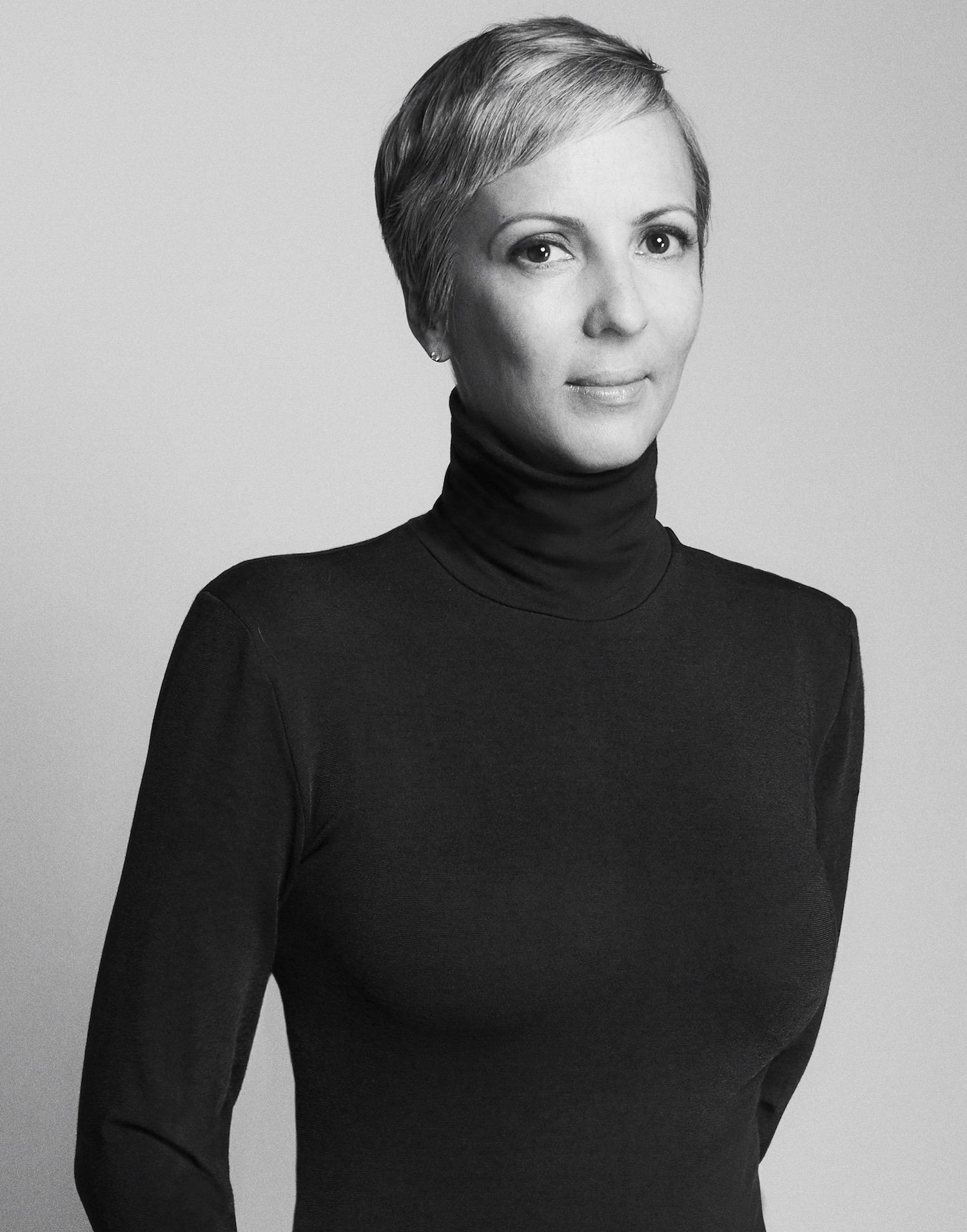 Anne-Marie Curtis ()