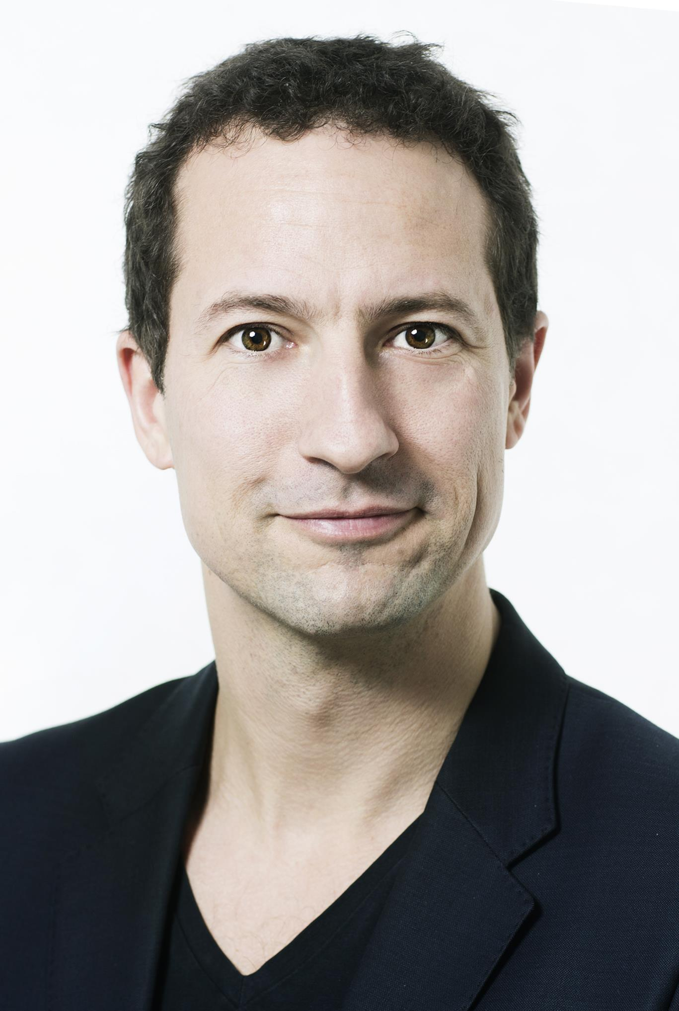 Jesper Laursen ()