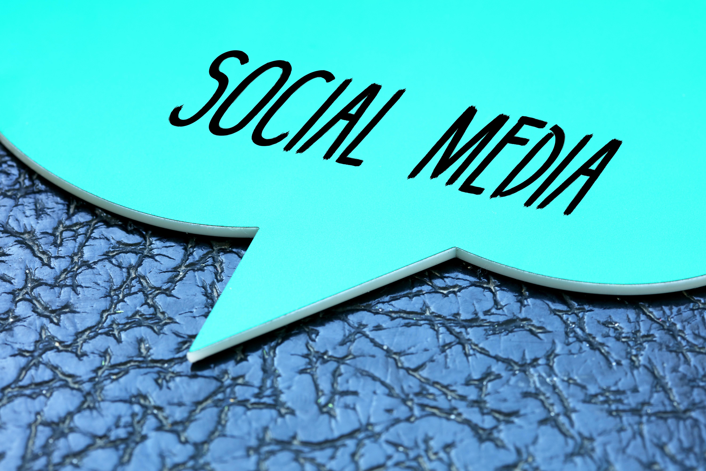 Social media ()