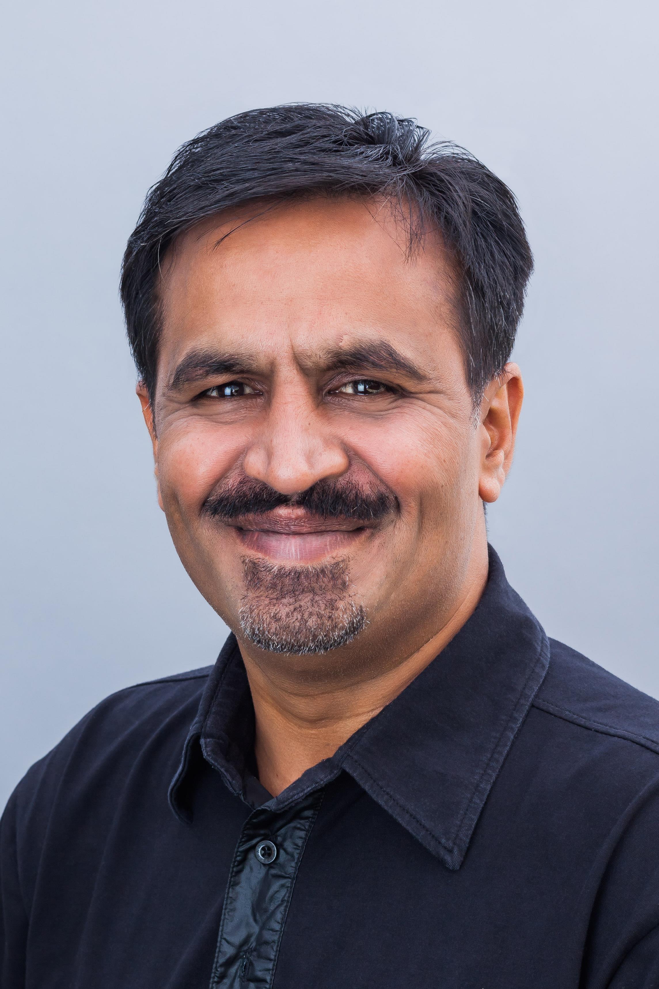 Rohit Dadwal ()