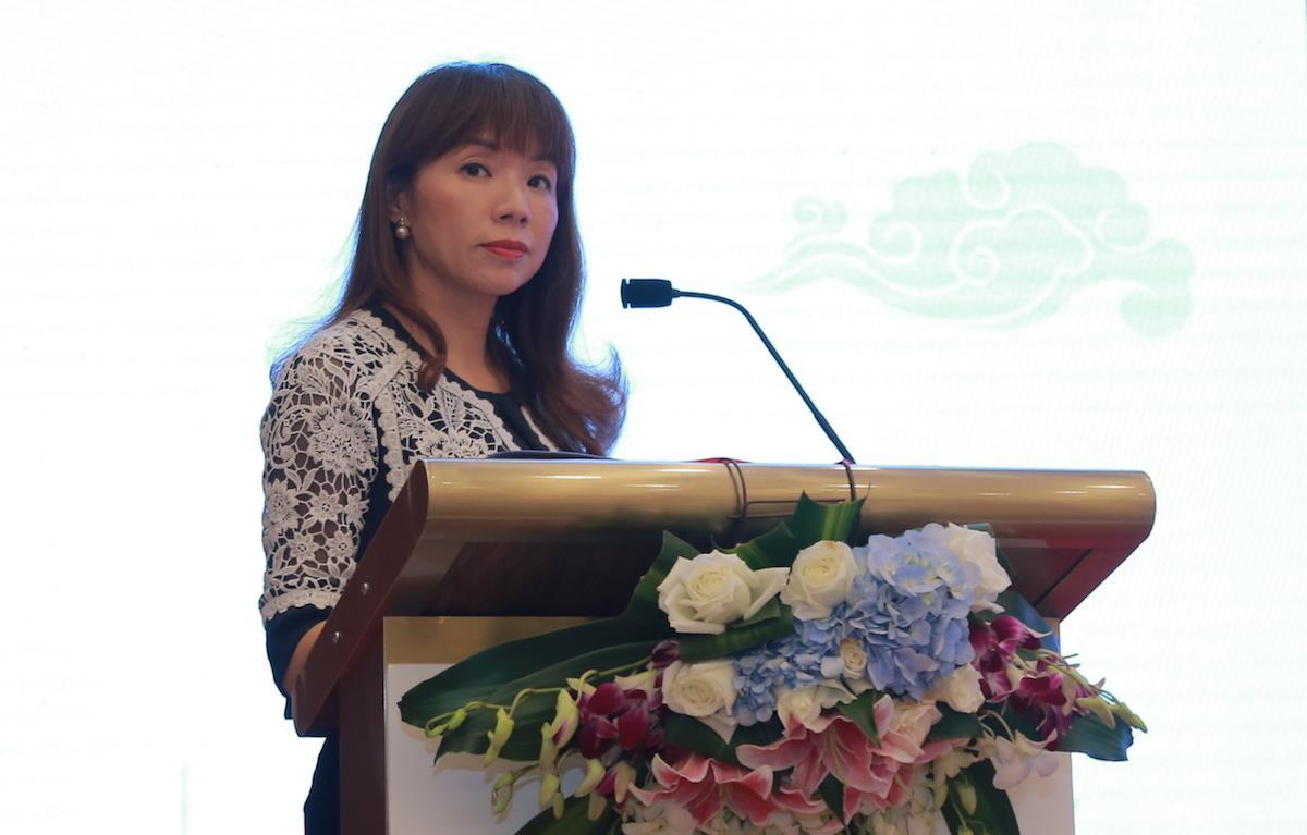 Yvonne Wang ()