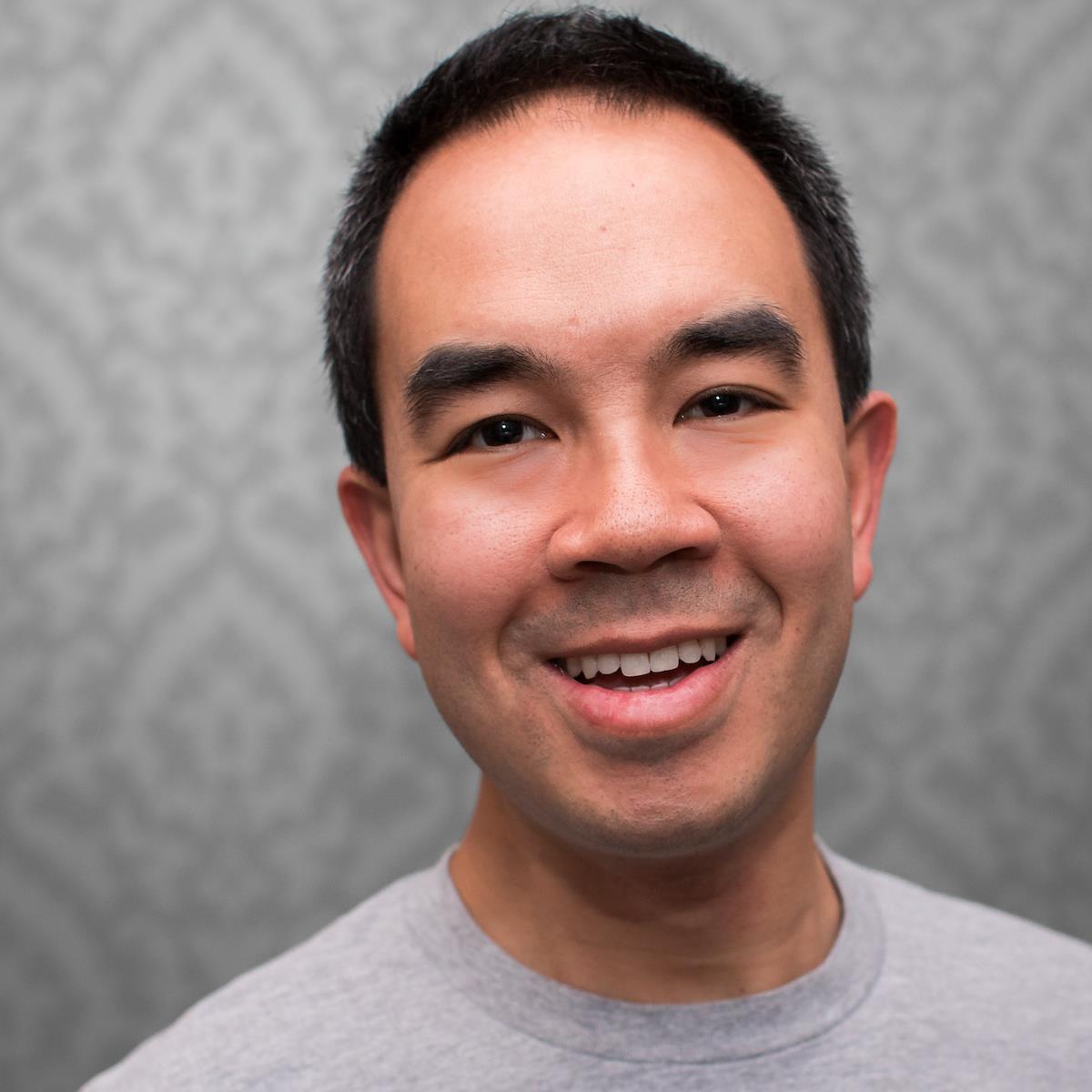 Chris Yiu ()