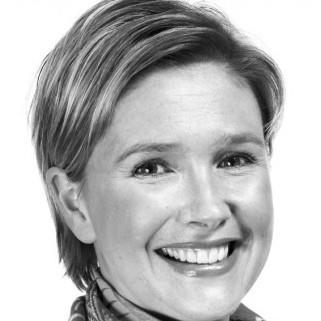 Nicola Bates ()