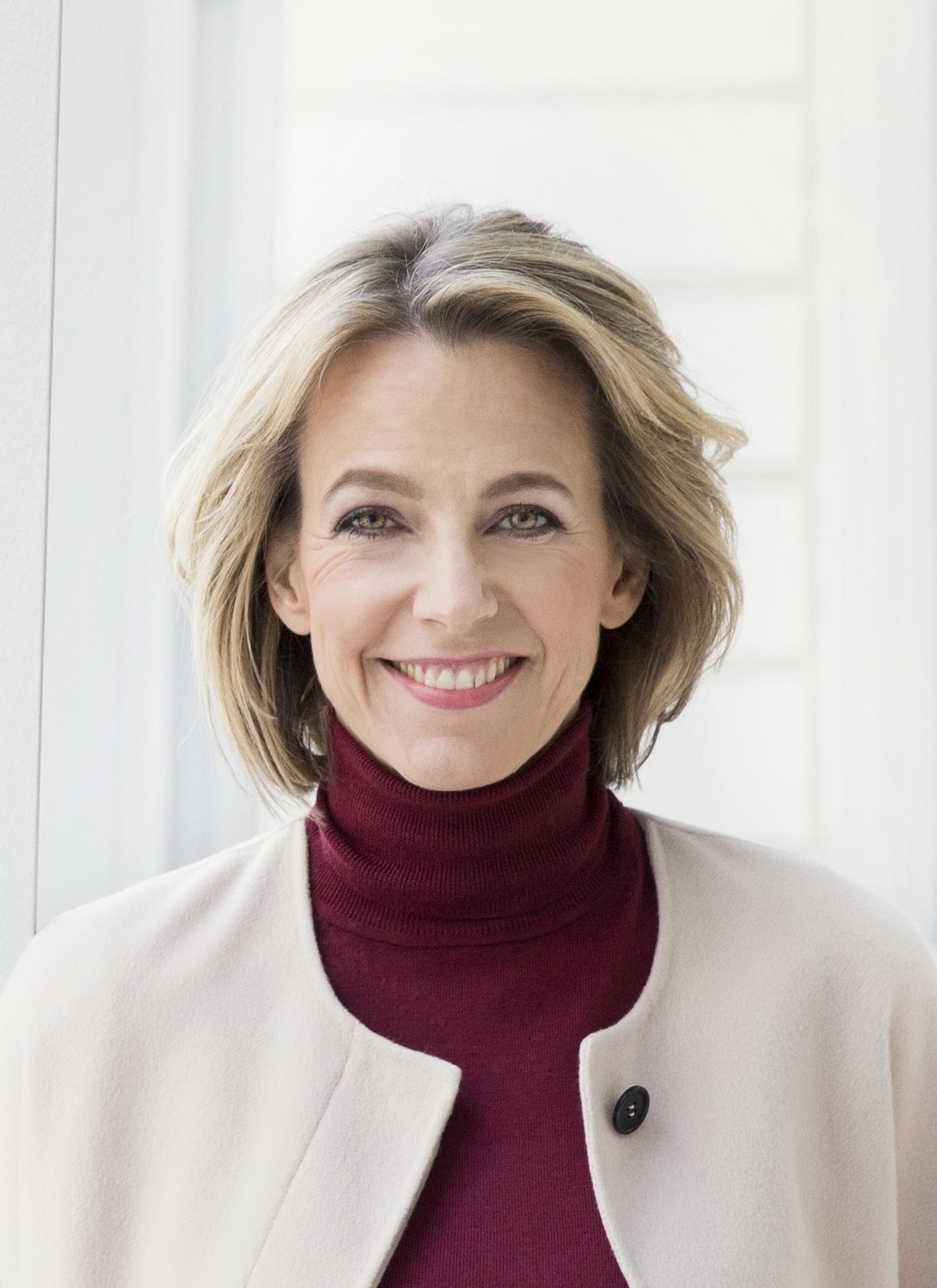 Julia Jakel ()