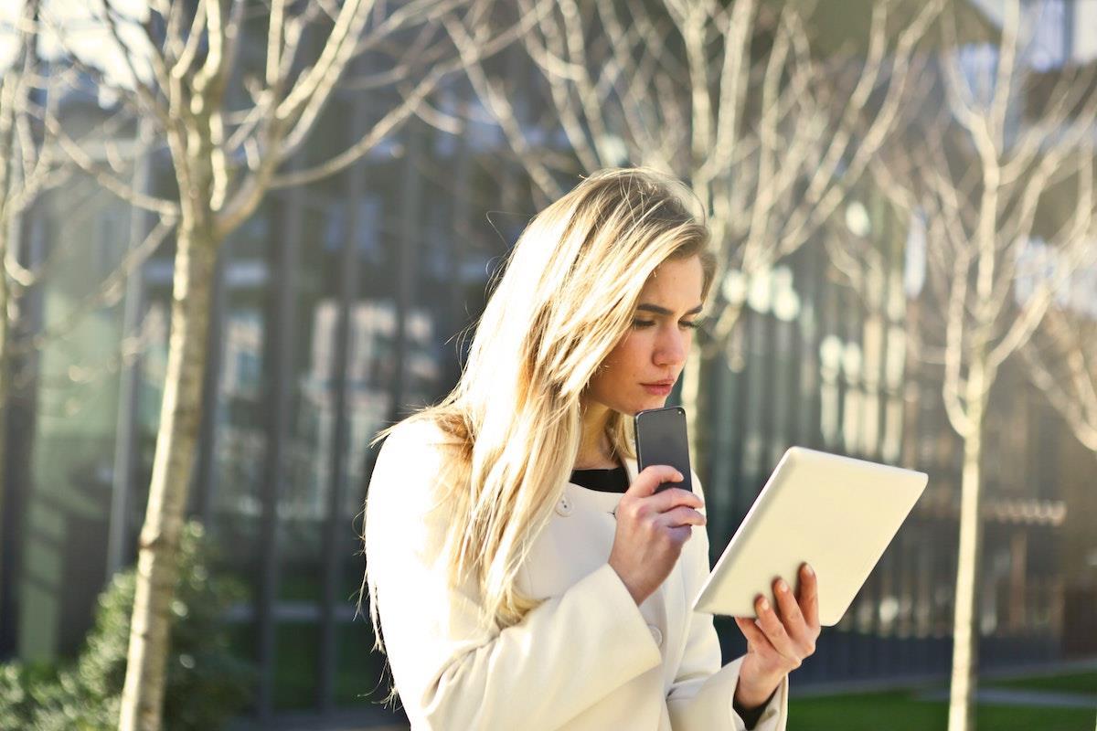 Digital tablet mobile ()