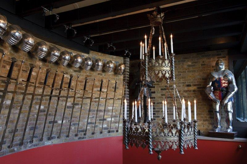 Medieval Banquet ()
