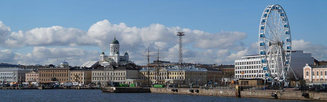 Helsinki skyline ()