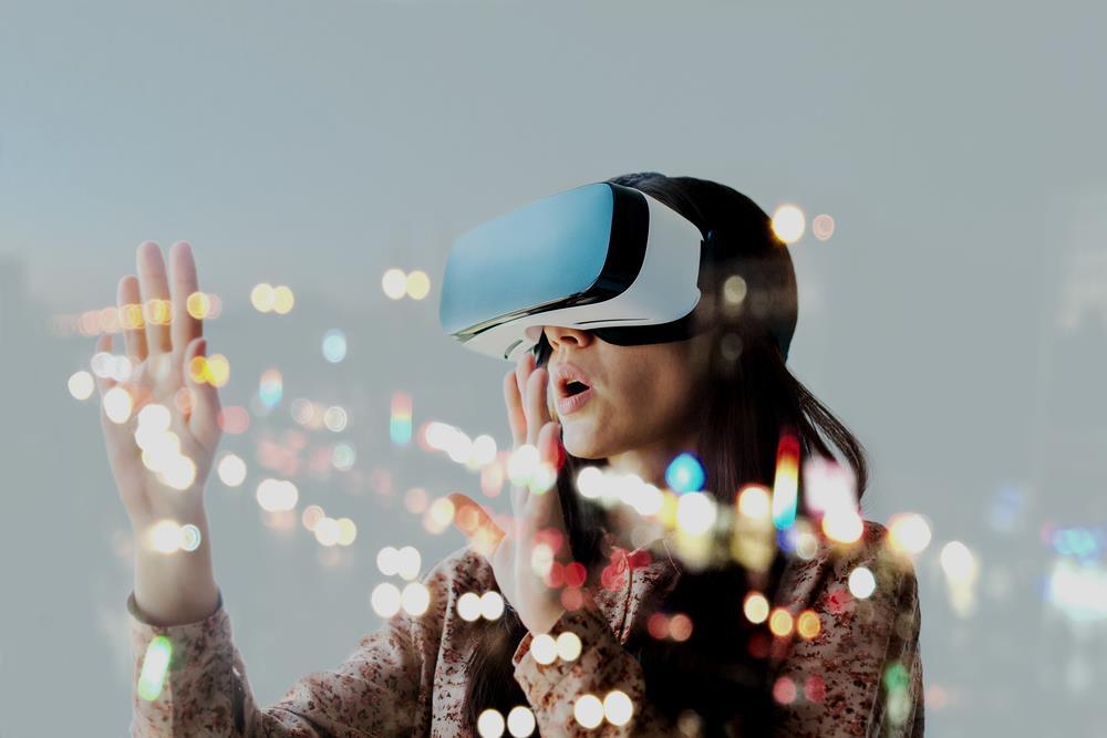 VR ()