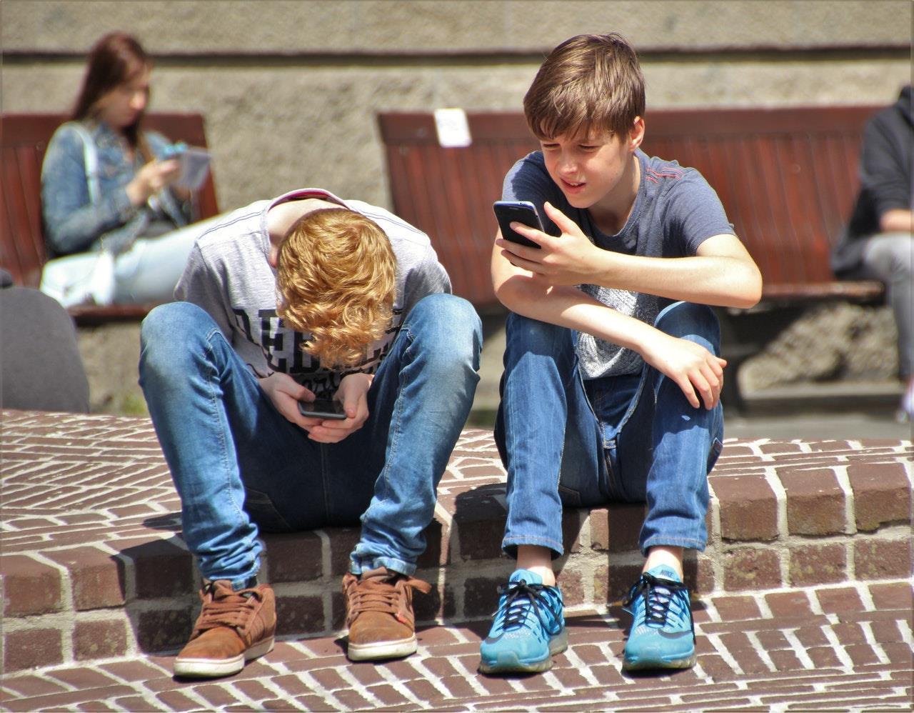 kids mobile ()