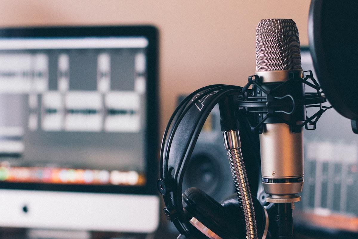 podcasting ()
