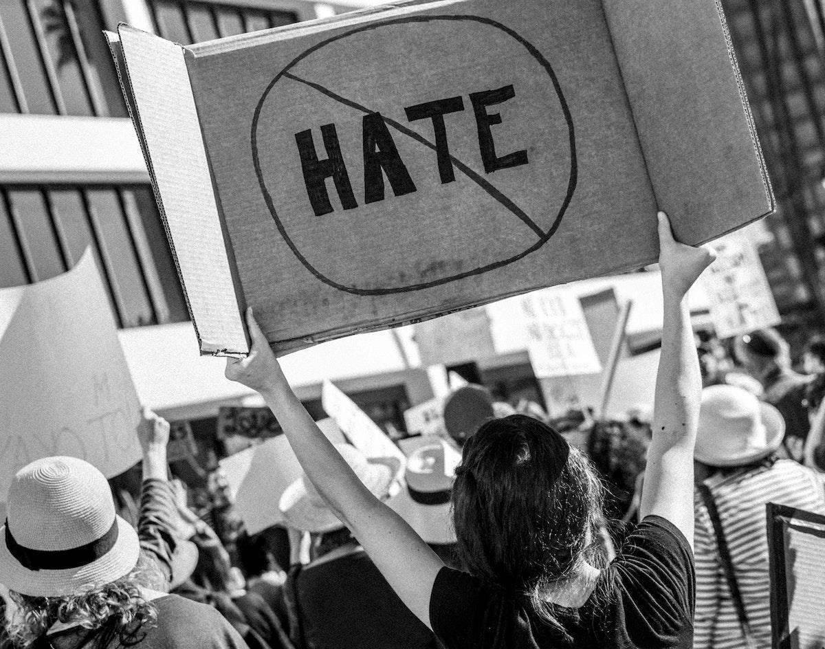No hate ()